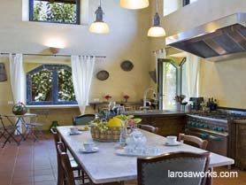 Breakfast in VIlla Uliveto Terrefort's spacious and modern kitchen.